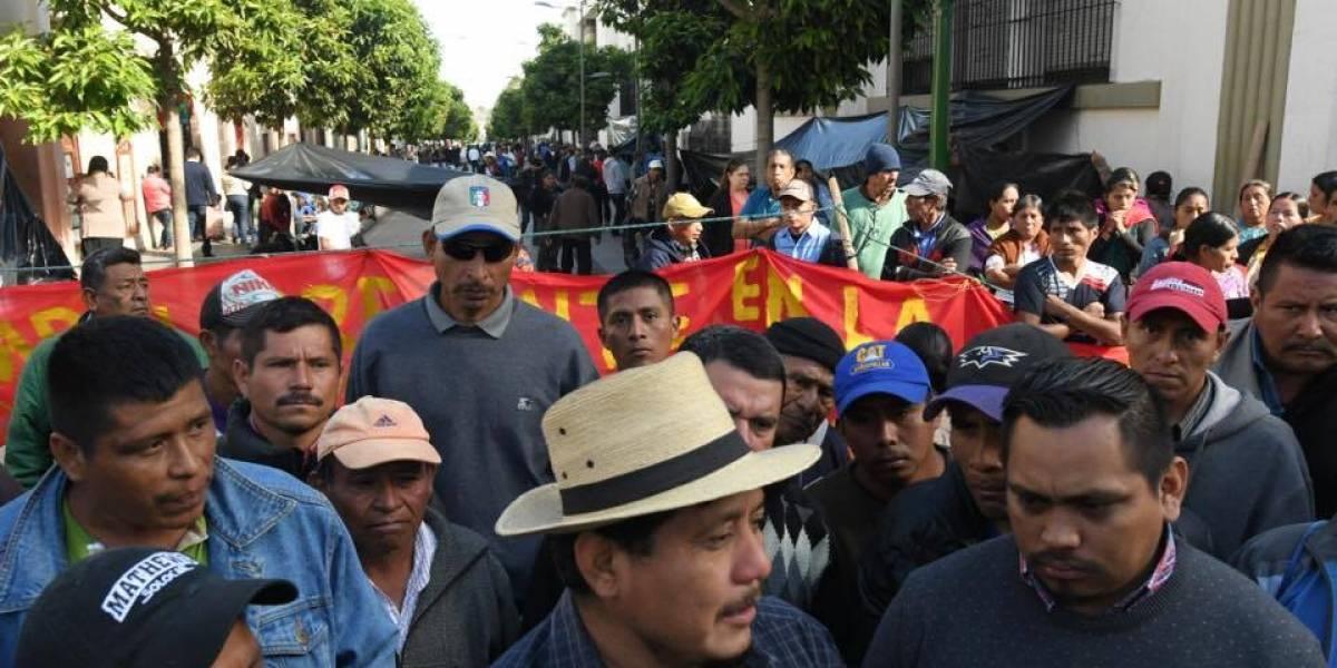 Campesinos deponen protesta tras llegar a acuerdos con autoridades