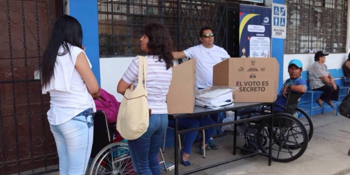 Más de 176.000 ecuatorianos en España podrán votar en consulta en su país