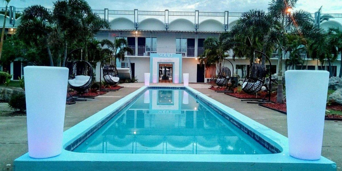 Abre en Ponce el primer hotel tras María