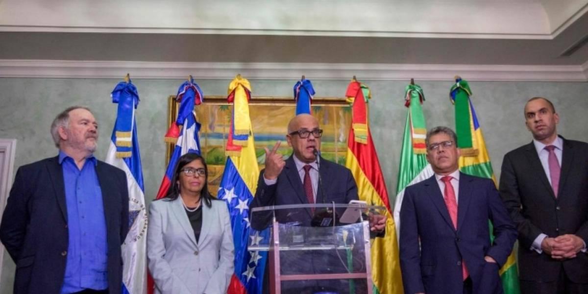 El gobierno y la oposición de Venezuela afirman en República Dominicana estar cerca de llegar a acuerdos y se citan para el 15 de diciembre
