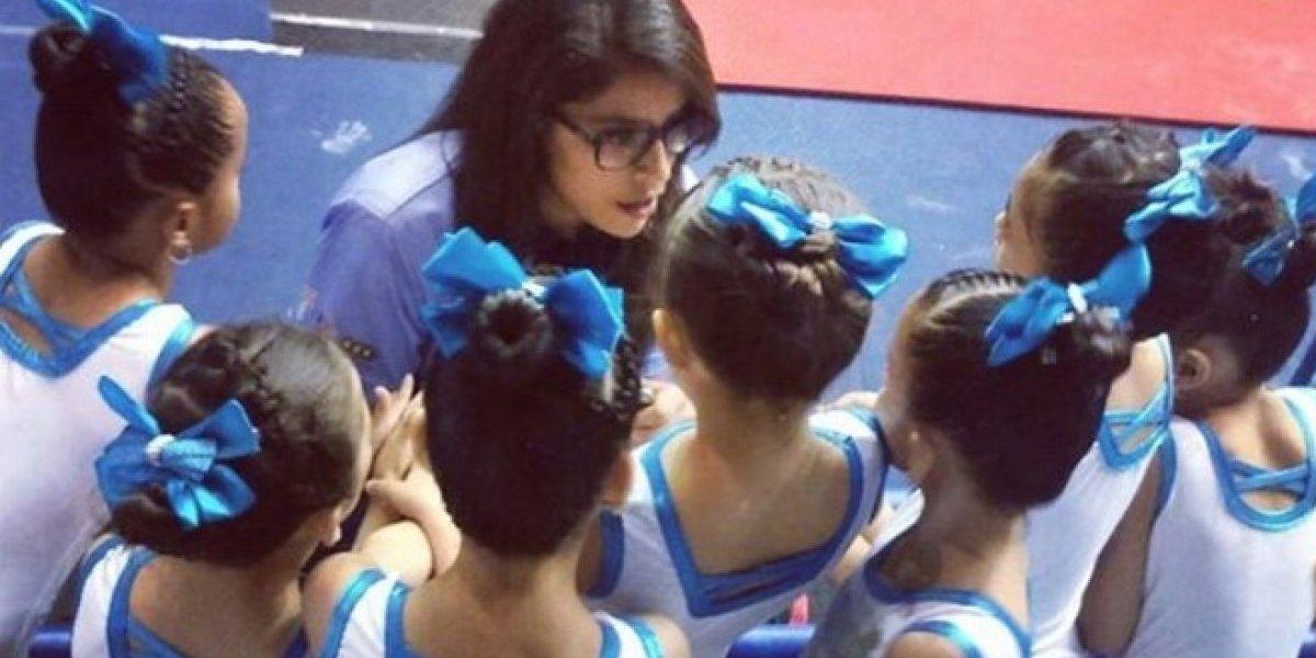 Ana Sofía Gómez lleva a sus pequeñas alumnas a dar un espectáculo especial