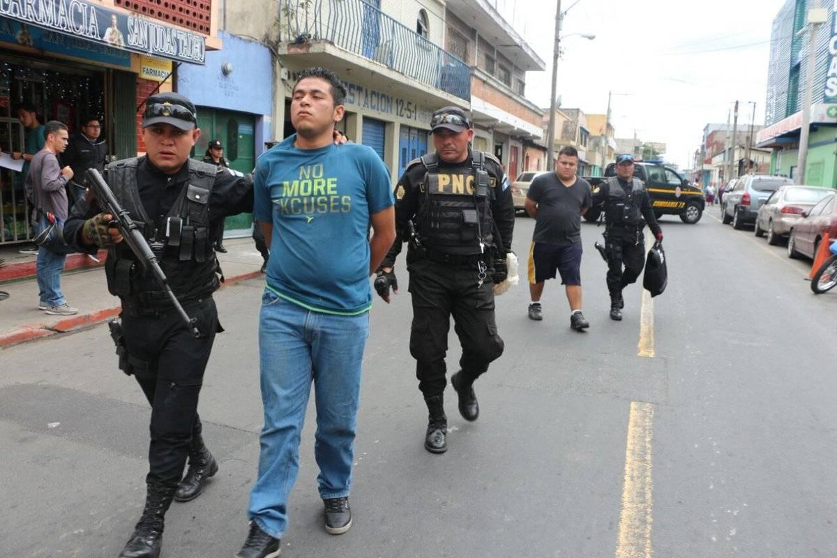 Detenidos con fusil
