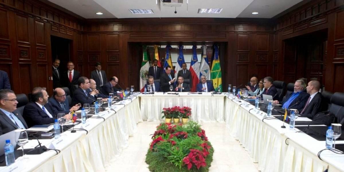 Oposición venezolana dice que aún no hay acuerdos del diálogo con el Gobierno