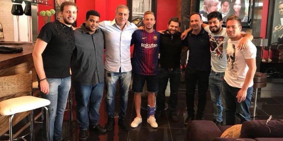 """Gremio golpeó la mesa tras ser campeón:  Demandará al Barcelona ante la FIFA por """"seducción de jugadores"""""""