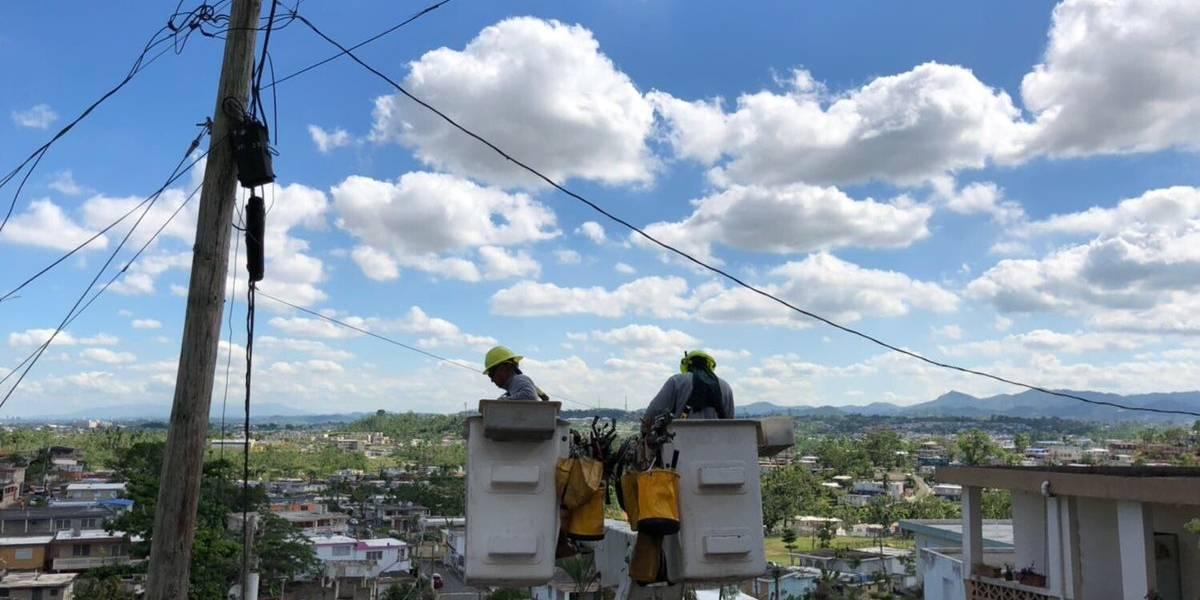 AEE restablece la luz en el residencial Monte Hatillo