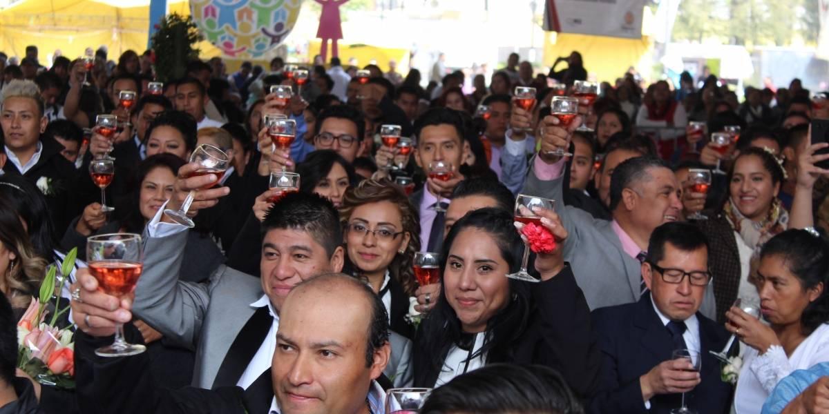 Iztapalapa casa a 167 parejas…¡gratis!; tres de ellas del mismo sexo