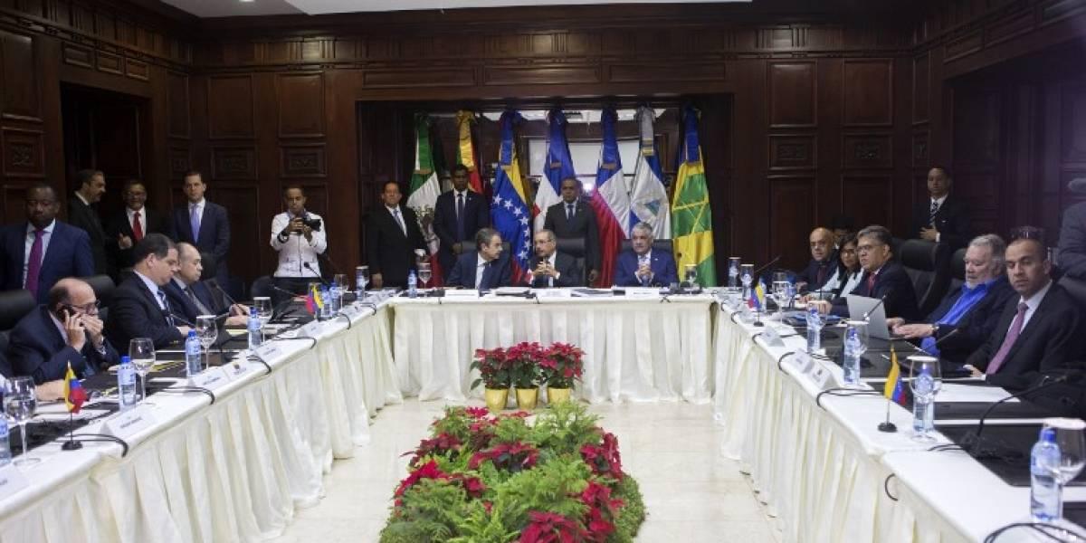 Sin acuerdos pero con avances concluyeron los dos días de negociaciones entre el chavismo y la oposición