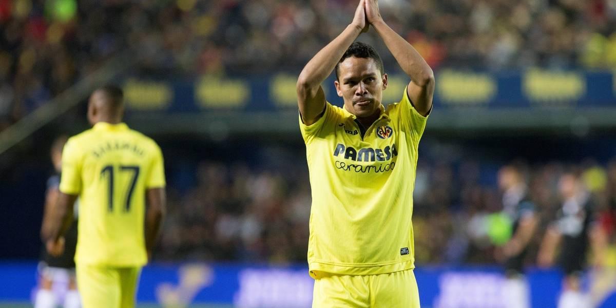 Carlos Bacca salió lesionado y complicó al Villarreal