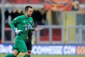 Así fue el gol del arquero del Benevento para ganar un histórico punto ante Milan