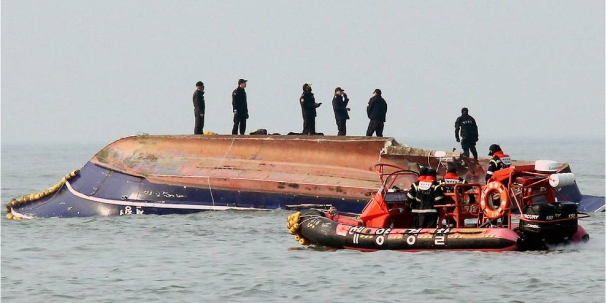 Naufragio deja 13 muertos y dos desaparecidos en Corea del Sur
