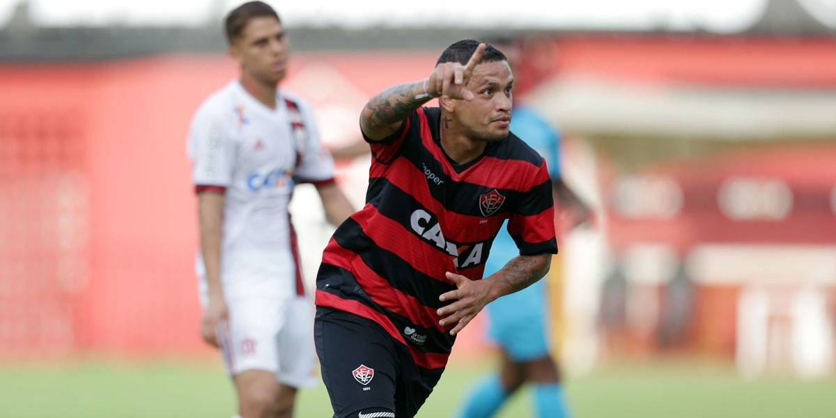 Aos 50 minutos do 2º tempo, Flamengo bate o Vitória na última rodada do Brasileirão