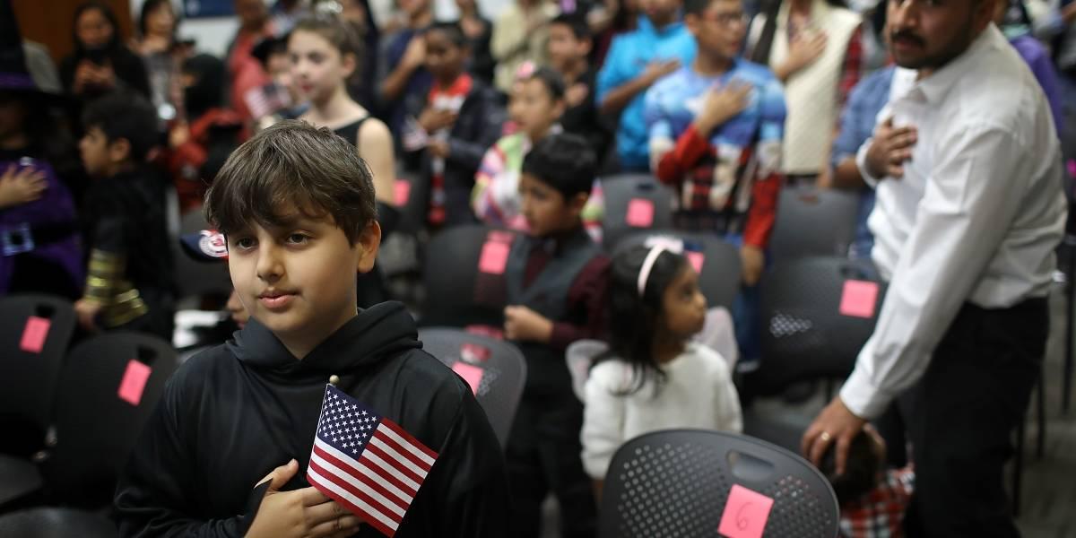 Aumentan 35.7% las solicitudes de ciudadanía estadounidense desde el 2015