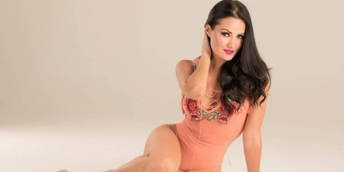 ¿Quién es el misterioso hombre que se come a besos a la modelo guatemalteca Lourdes Figueroa?