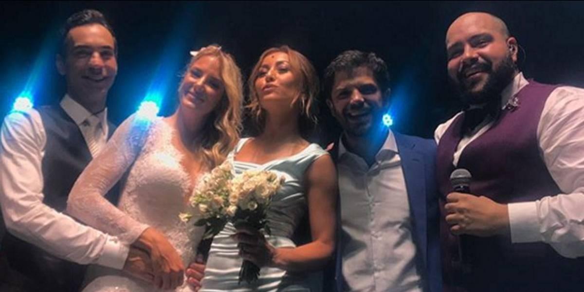 A próxima noiva? Sabrina Sato pega buquê no casamento de Ticiane e Tralli