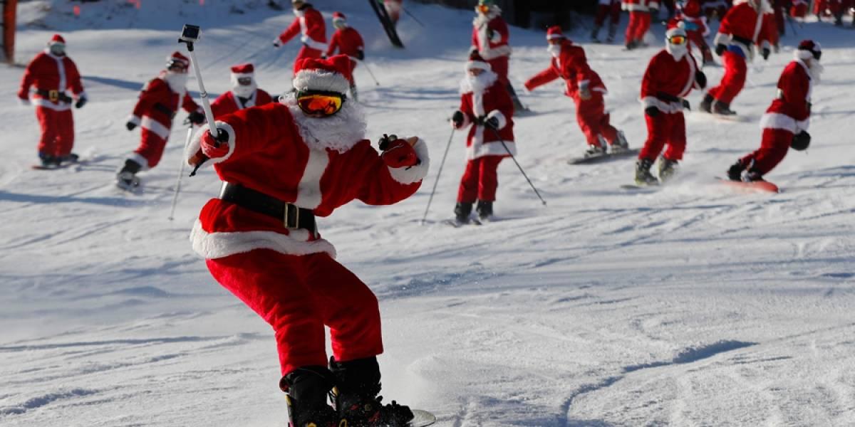 Santas esquiadores recaudan 2.500 dólares para fundación