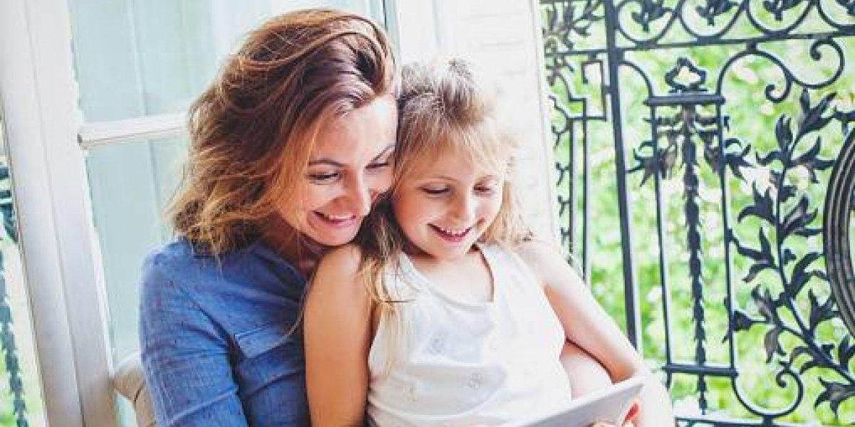 Más madres boricuas acceden a Internet