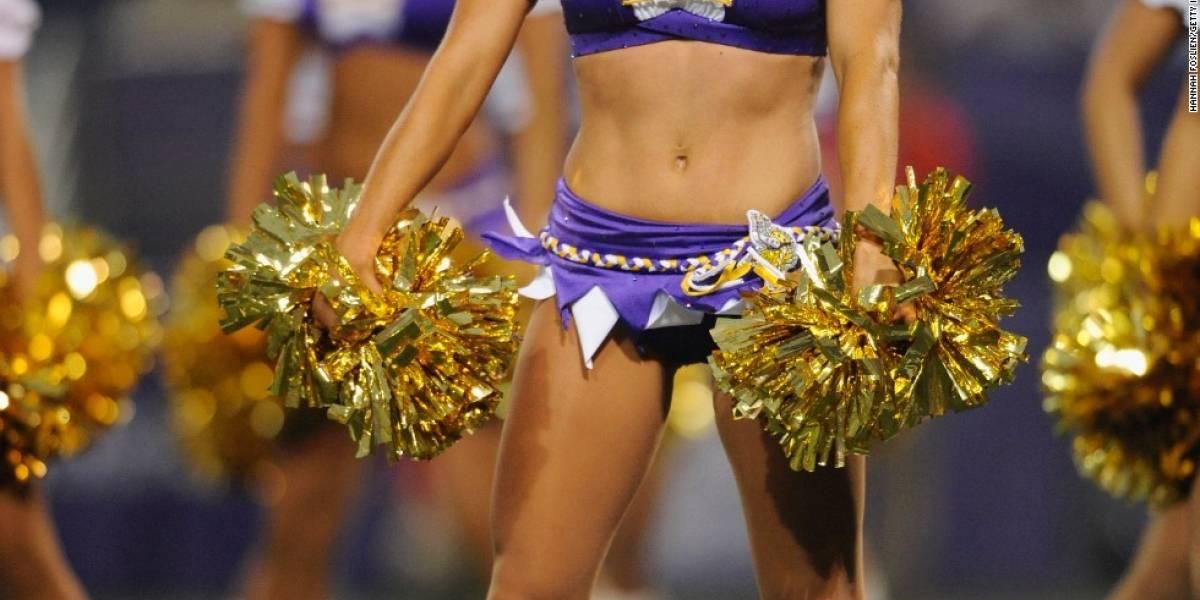 Protesta de cheerleaders saca a relucir tensiones raciales