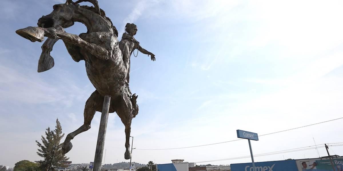 Inauguran la escultura 'Abundancia' en Lázaro Cárdenas