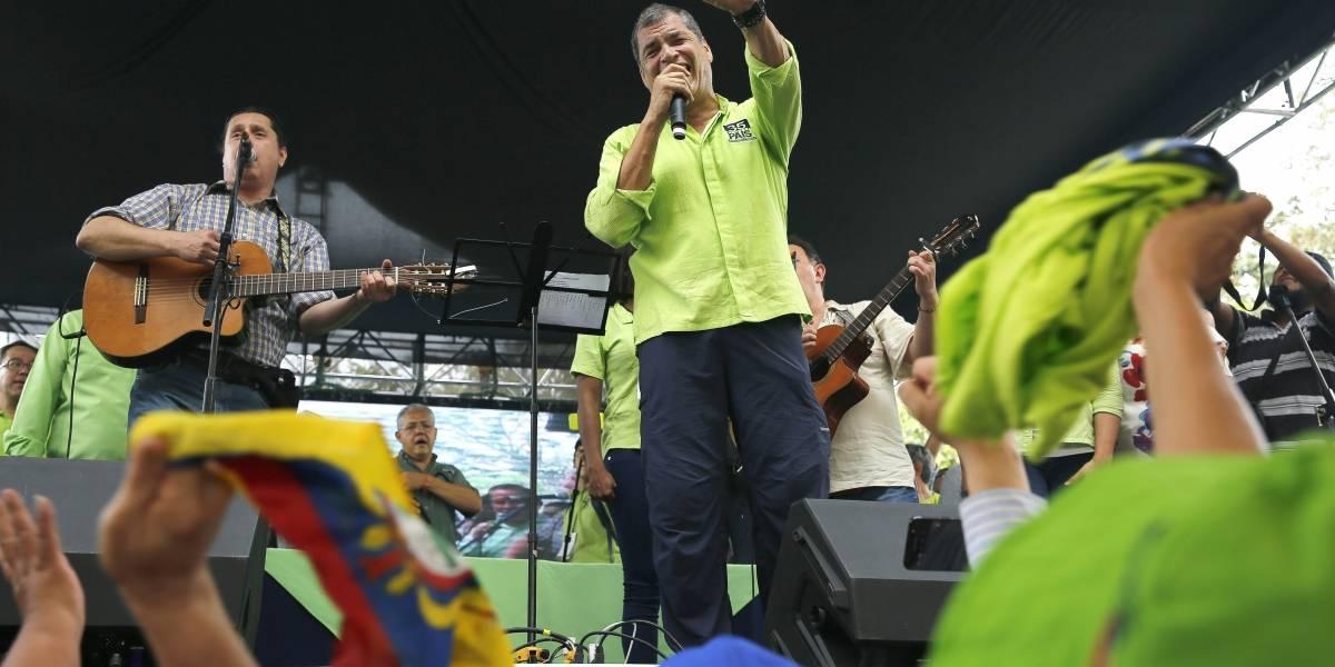 Rafael Correa retorna a Bélgica y así lo despidieron sus simpatizantes