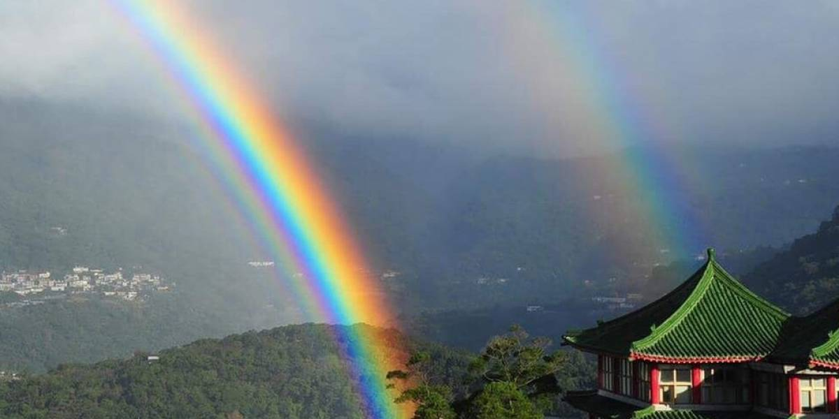 """""""Un regalo del cielo"""": así fue el arcoíris """"de más duración jamás registrado"""" que se vio durante 9 horas"""