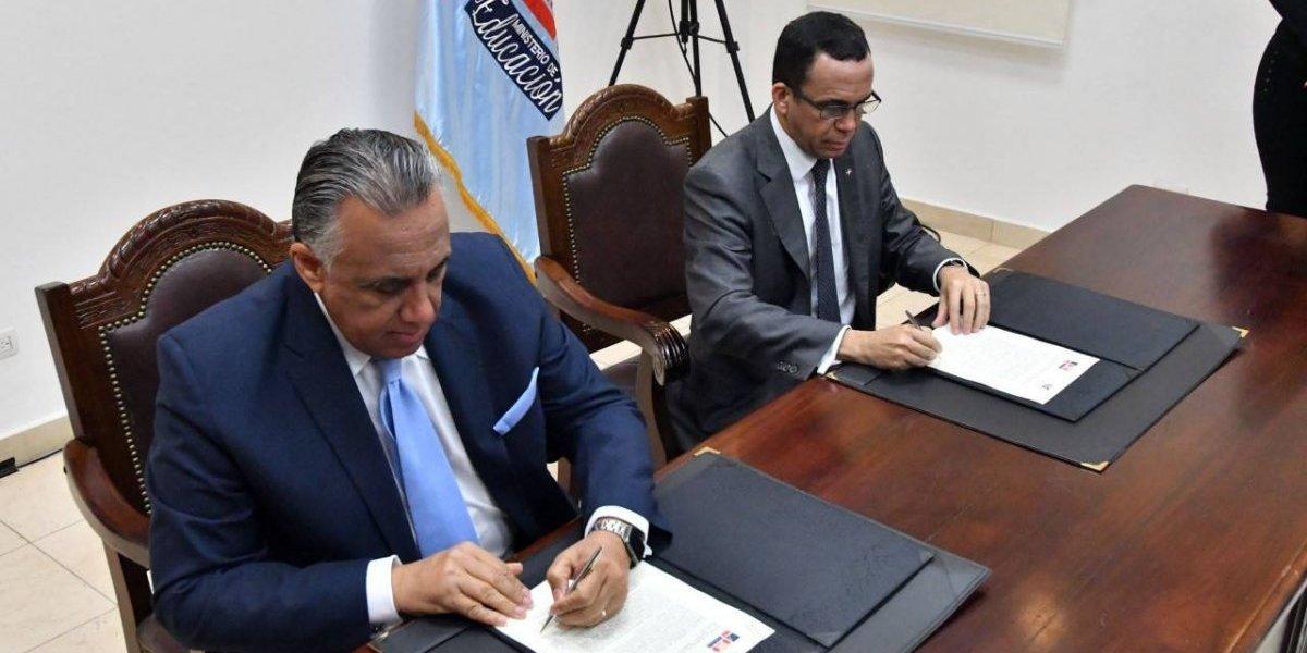 Minerd y COD firman acuerdo de cooperación