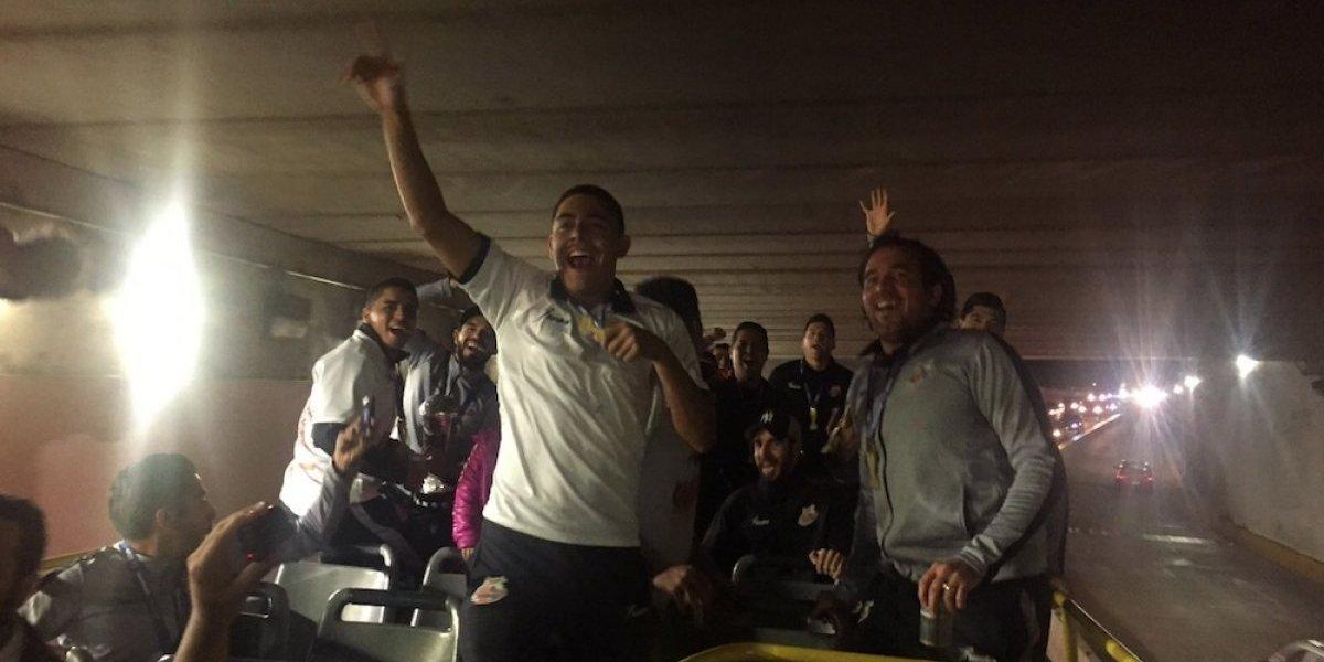 Con retraso, pero Alebrijes celebró el título por las calles de Oaxaca