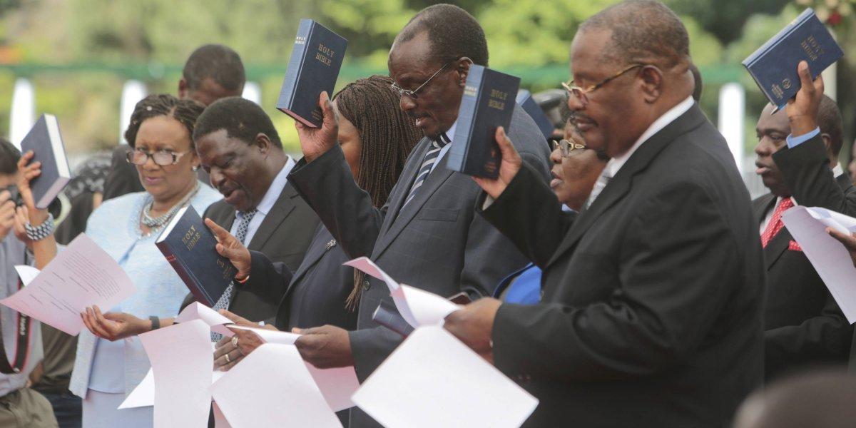 Toma posesión primer gobierno de Zimbabue tras Mugabe
