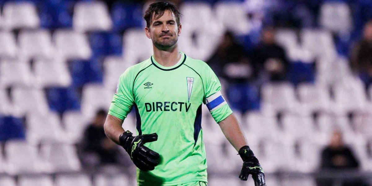 Uno menos en la UC: Franco Costanzo se retira del fútbol