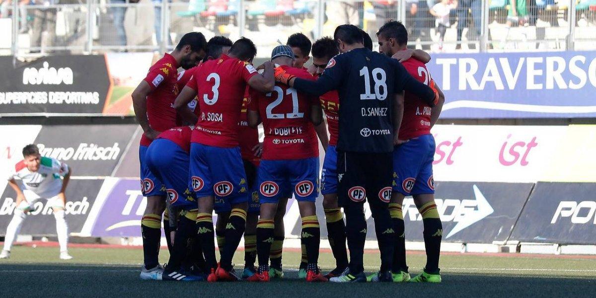 Unión jugó en La Florida con la mente en el Monumental: hispanos celebraron con todo el gol de Curicó ante Colo Colo