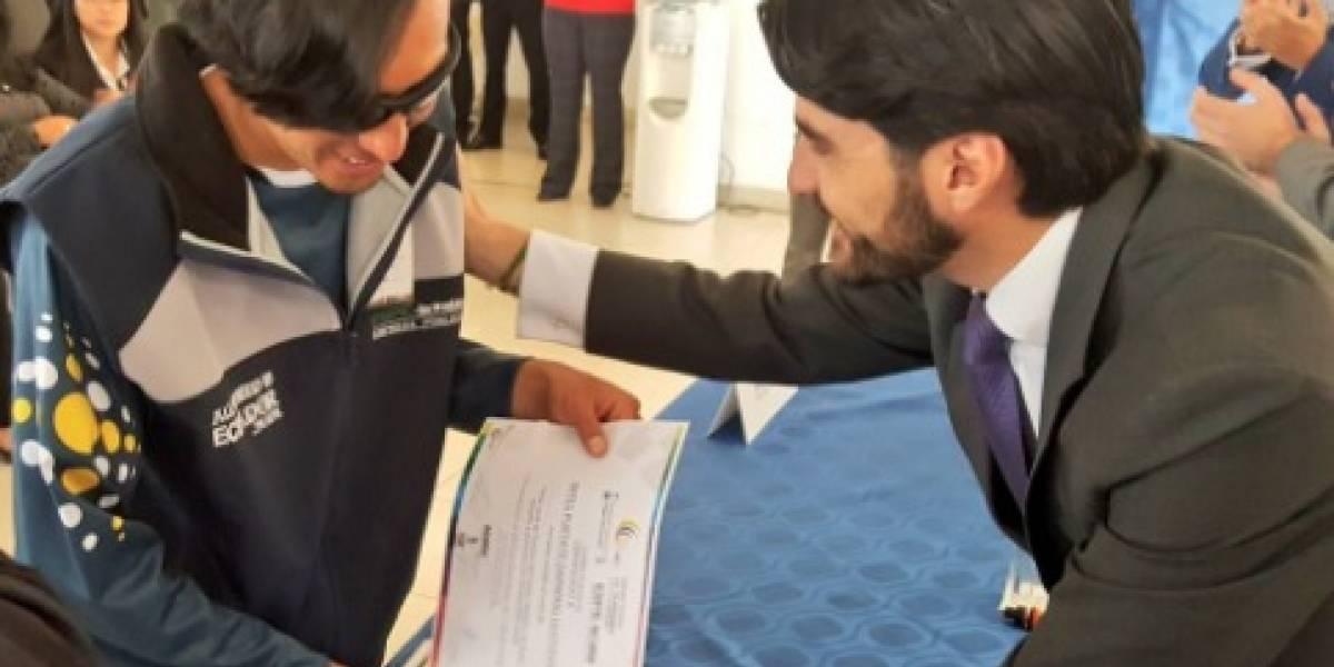 30 guías con discapacidad visual recibieron certificado de guianza turística local