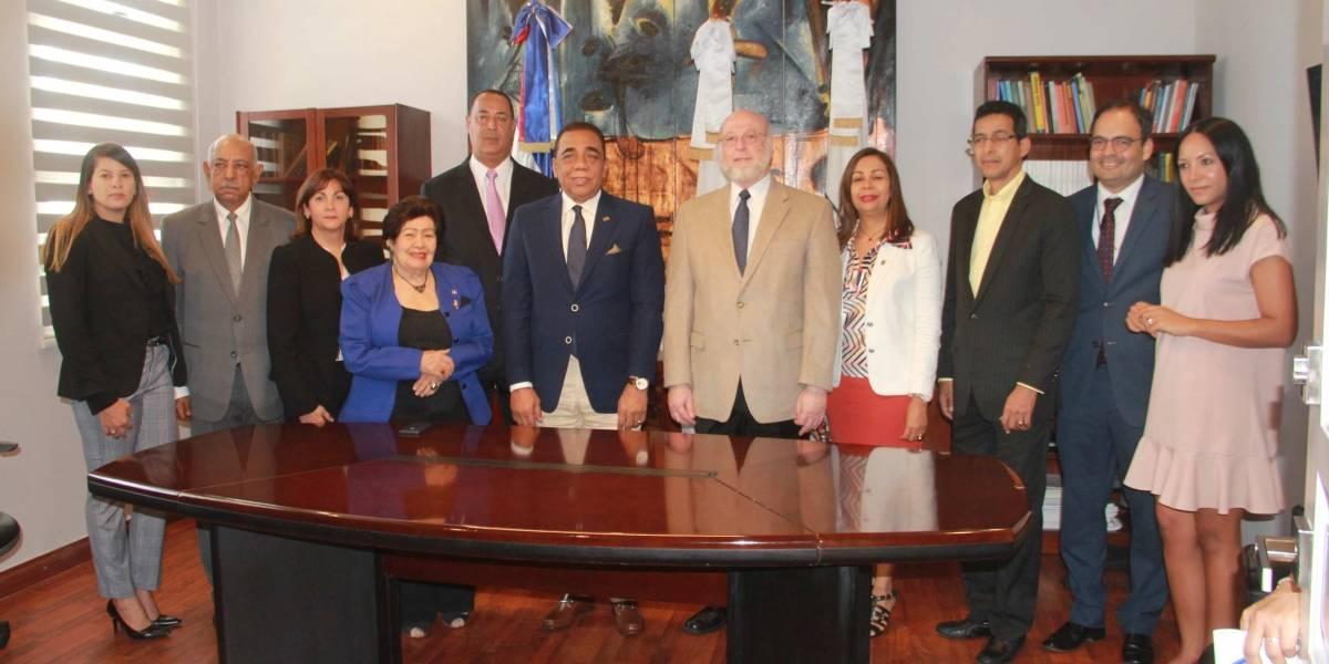 Cultura firma convenio con el Instituto Ateneo