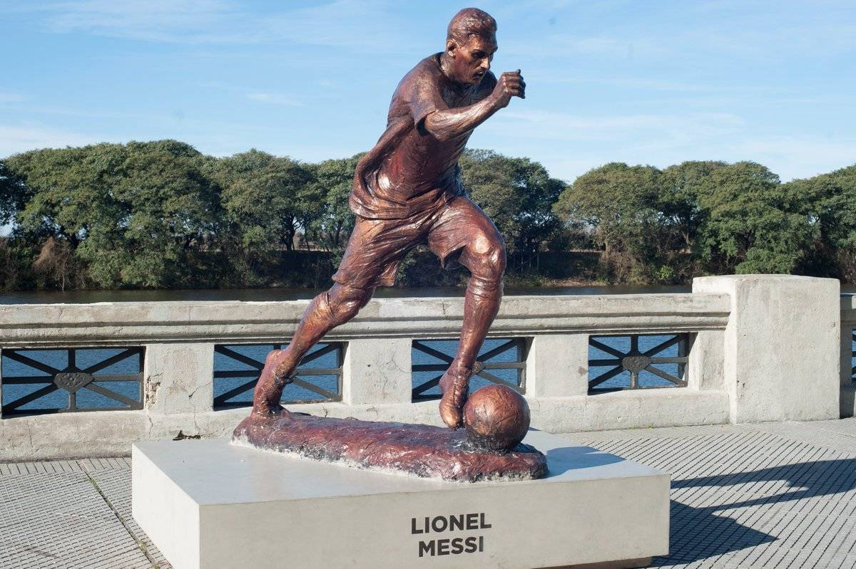 Internet Estatua de Messi
