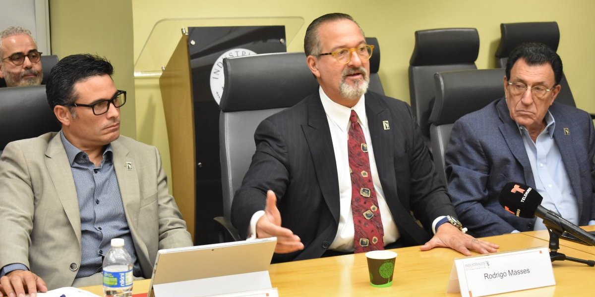 Industriales preocupados por el futuro de la isla en la reforma contributiva
