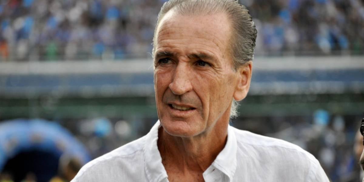 Deportivo Cuenca pagó al DT Luis Soler con un cheque sin fondos y en cuenta cerrada