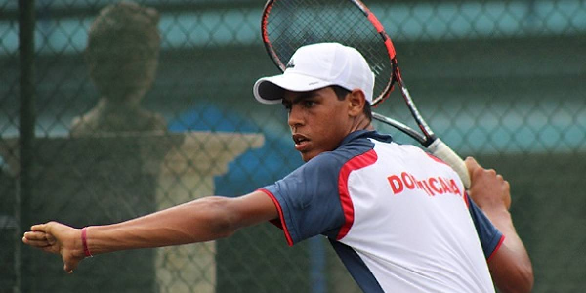 José Olivares avanza en dobles en el torneo Futuro F2