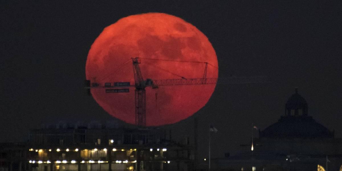 Las espectaculares imágenes que dejó la única superluna de 2017