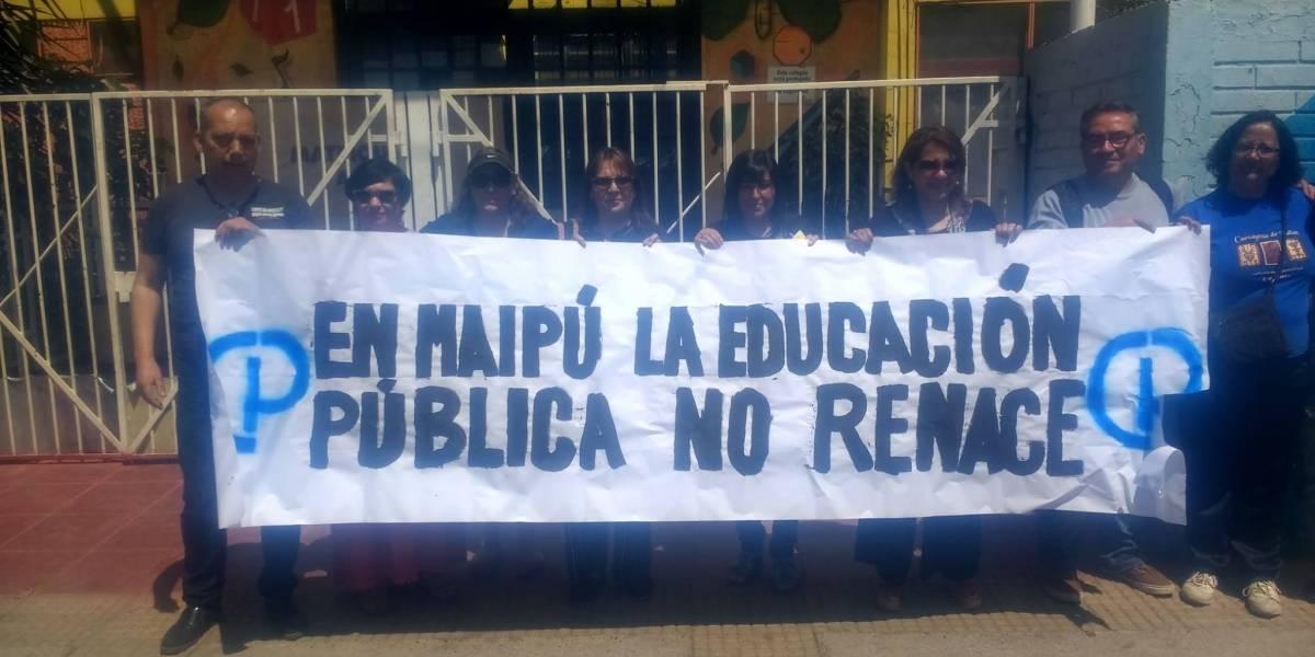 Profesores de Maipú denuncian despidos masivos por parte de administración de Cathy Barriga