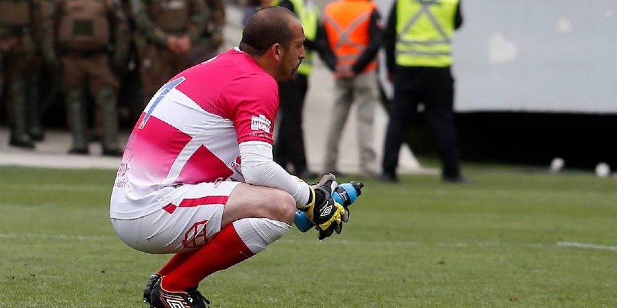 Impresentables: hinchas de Everton insultaron y pidieron la salida de Eduardo Lobos