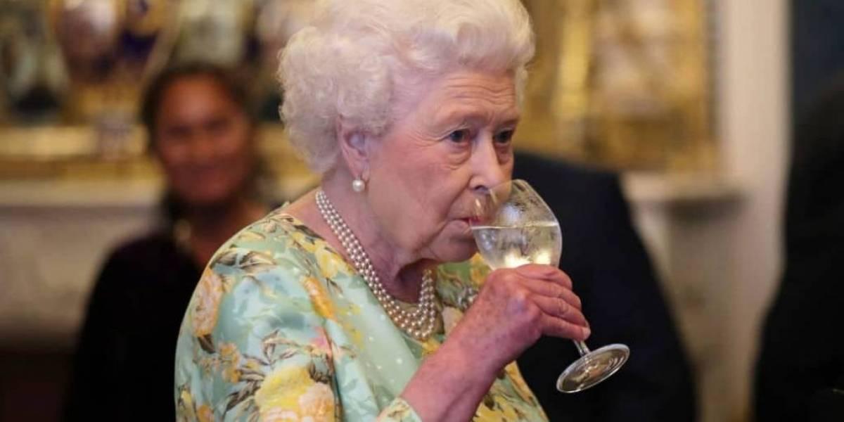 Los increíbles e insólitos privilegios por los que puede brindar la reina Isabel II