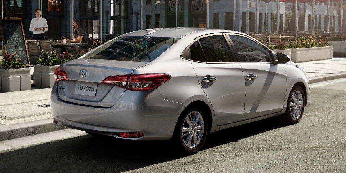 Toyota se pone al día con su Yaris sedán