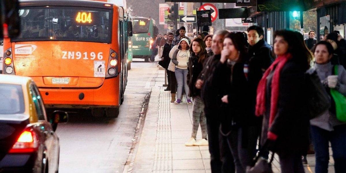 Viaje a Londres gratis: sólo debe criticar al Transantiago y concursará por pasajes dobles