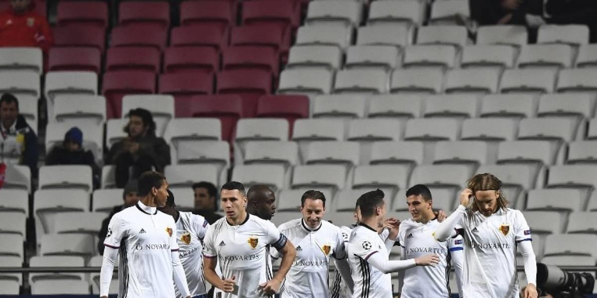 Con Raúl Jiménez en banca, Benfica se despide de