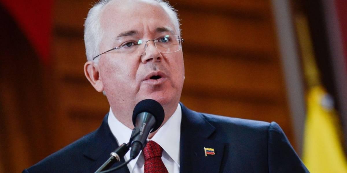 El exministro Rafael Ramírez deja el cargo de embajador de Venezuela ante la ONU y afirma haber sido destituido por sus opiniones críticas con Maduro