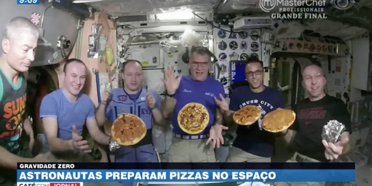 Vídeo mostra astronautas preparando pizzas no espaço
