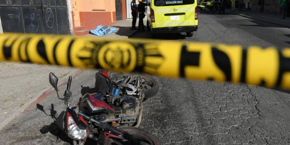 Sicarios atacan a mujer y testigo en la zona 18