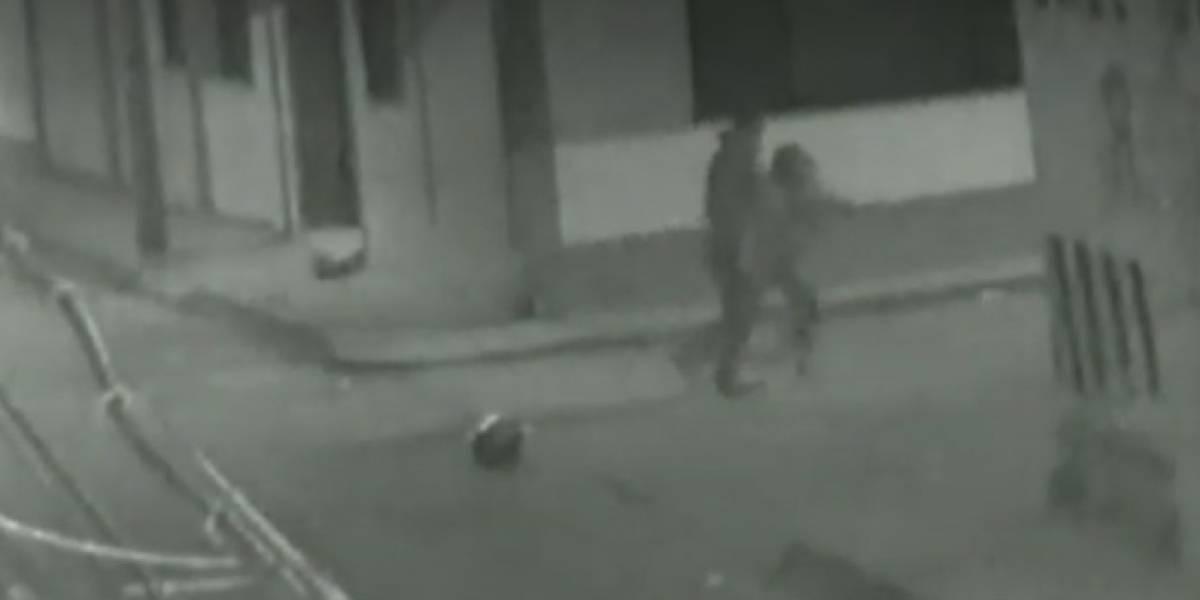 Hombre golpeó a su novia contra una pared por no querer volver con él