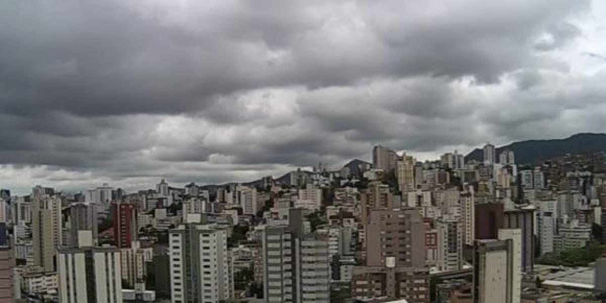 São Paulo tem chuva forte após dias de tempo abafado
