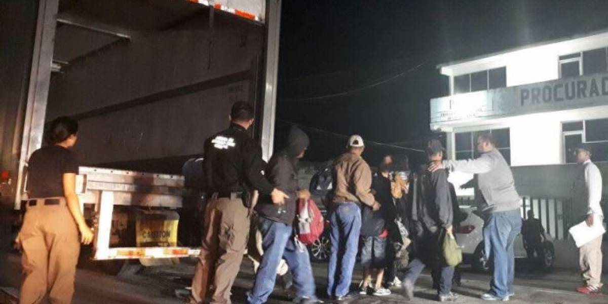 PGR rescata a 153 indocumentados en Tabasco