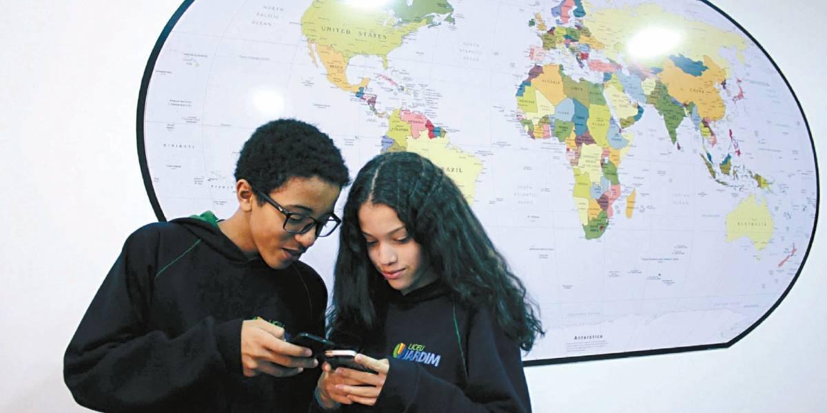 Colégios do ABC elegem celular novo aliado e introduzem apps para ajudar no ensino