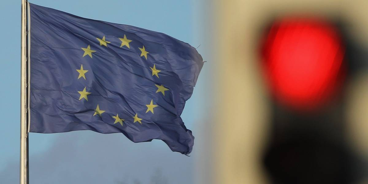 Unión Europea pone a 17 países en la lista negra por ser paraísos fiscales